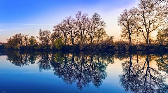 عکس بسیار زیبای دریاچه – kkk