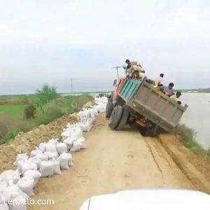 فیلم حادثه عجیب برای بسیجیان در سیل